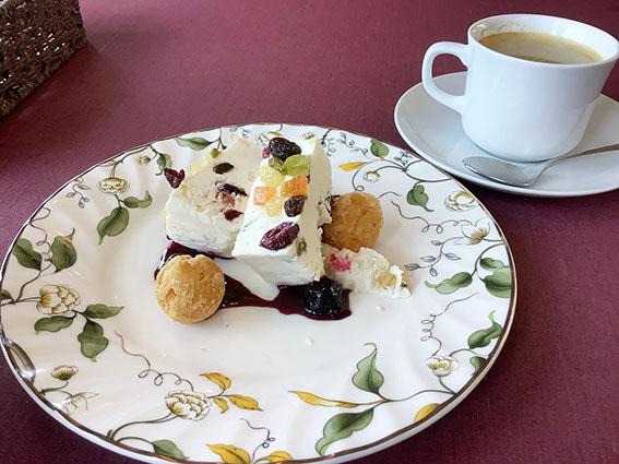 shirokumaのランチ 自家製ケーキ