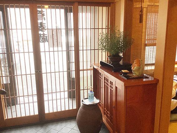 蕎麦蔵玄関の写真