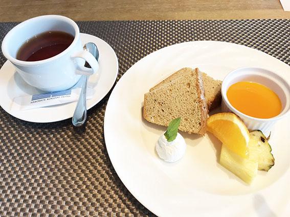 紅茶シフォンケーキ