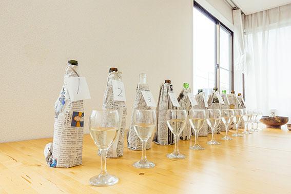 日本酒が並ぶ様子