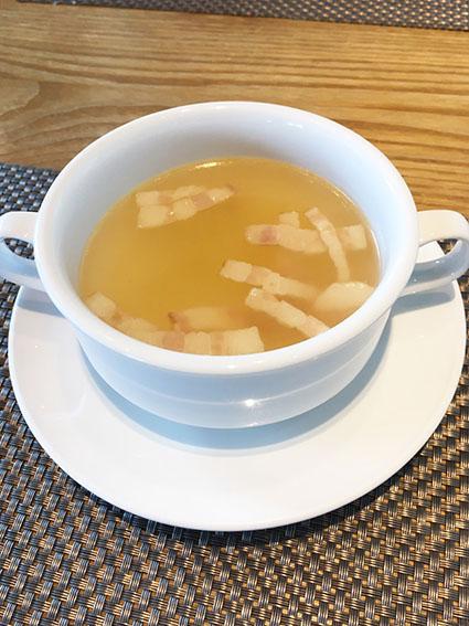 一皿のスープの写真