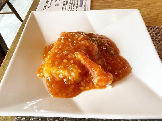 たまふくら豆腐の蟹入りチリソース