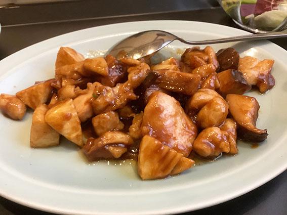 鳥肉と椎茸の味噌炒めの写真