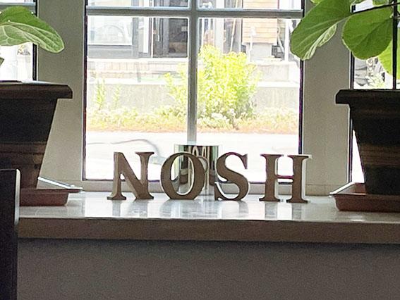 ノッシュの出窓写真