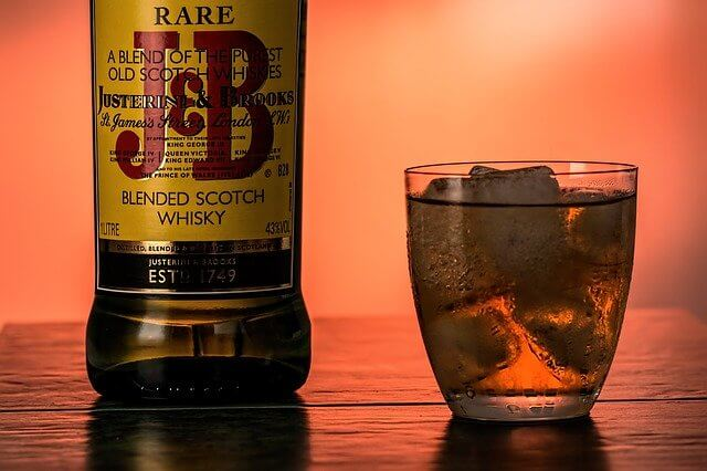 寝酒のウイスキー写真