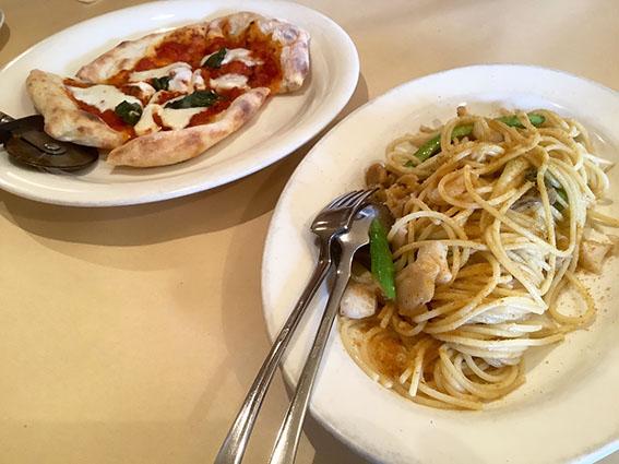 ピアッティのランチ料理写真