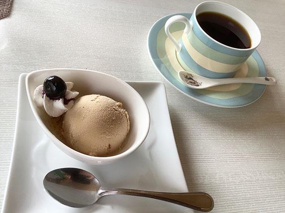 楽膳美和邸栗のアイスクリーム写真